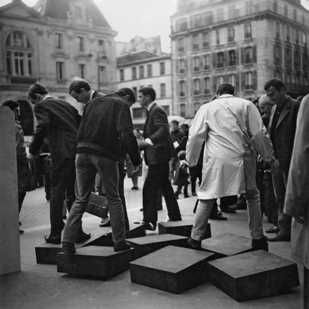 Julio Le Parc, GRAV, Une Journée dans la rue (A Day in the Street), 1966. Photo: © Julio Le Parc / Atelier Le Parc.
