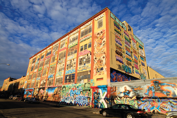 View of the front of 5 Pointz in Queens, NY, January 20, 2013. Photo: Ezmosis. Source: Wikimedia Commons.